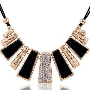Vintage Women's Statement High Fashion Necklace